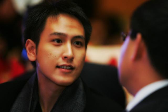 Thiếu gia Hồng Kông đẹp trai như tài tử, 18 tuổi thành tỷ phú nhưng U40 vẫn chưa lấy vợ-1