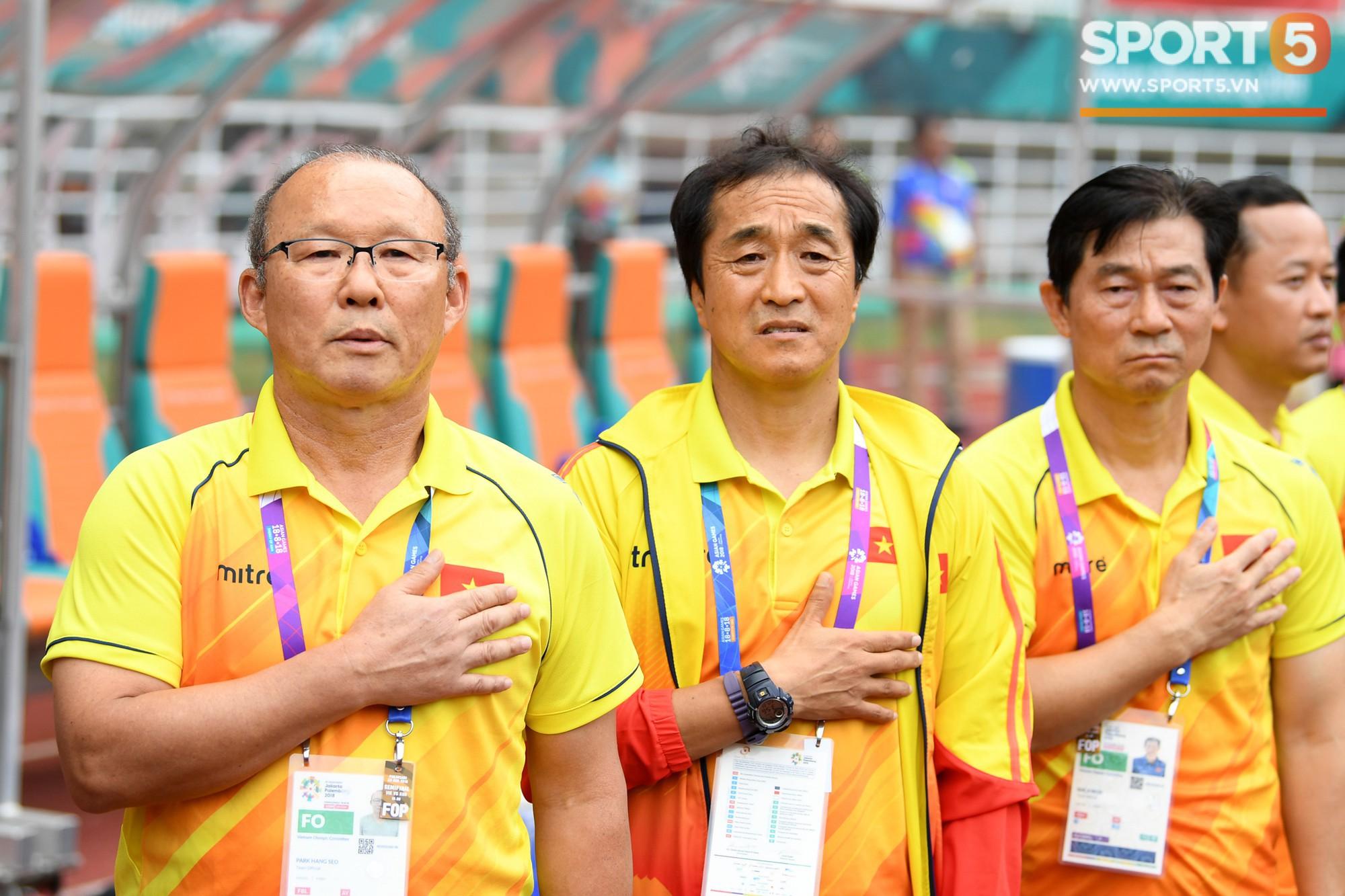 HLV Park Hang Seo bước sang tuổi 60: Từ sinh viên nghiên cứu thảo mộc đến huyền thoại bóng đá Việt Nam-27