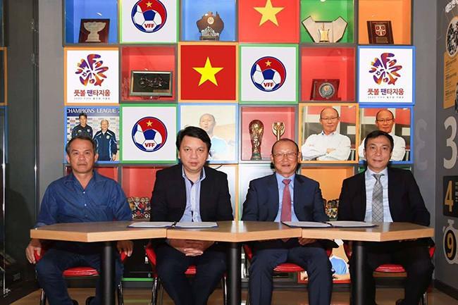 HLV Park Hang Seo bước sang tuổi 60: Từ sinh viên nghiên cứu thảo mộc đến huyền thoại bóng đá Việt Nam-10