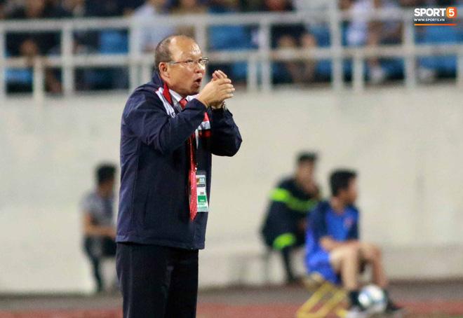 HLV Park Hang Seo bước sang tuổi 60: Từ sinh viên nghiên cứu thảo mộc đến huyền thoại bóng đá Việt Nam-12