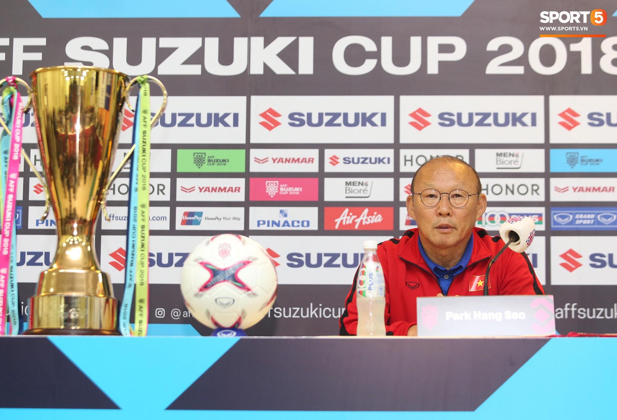 HLV Park Hang Seo bước sang tuổi 60: Từ sinh viên nghiên cứu thảo mộc đến huyền thoại bóng đá Việt Nam-29