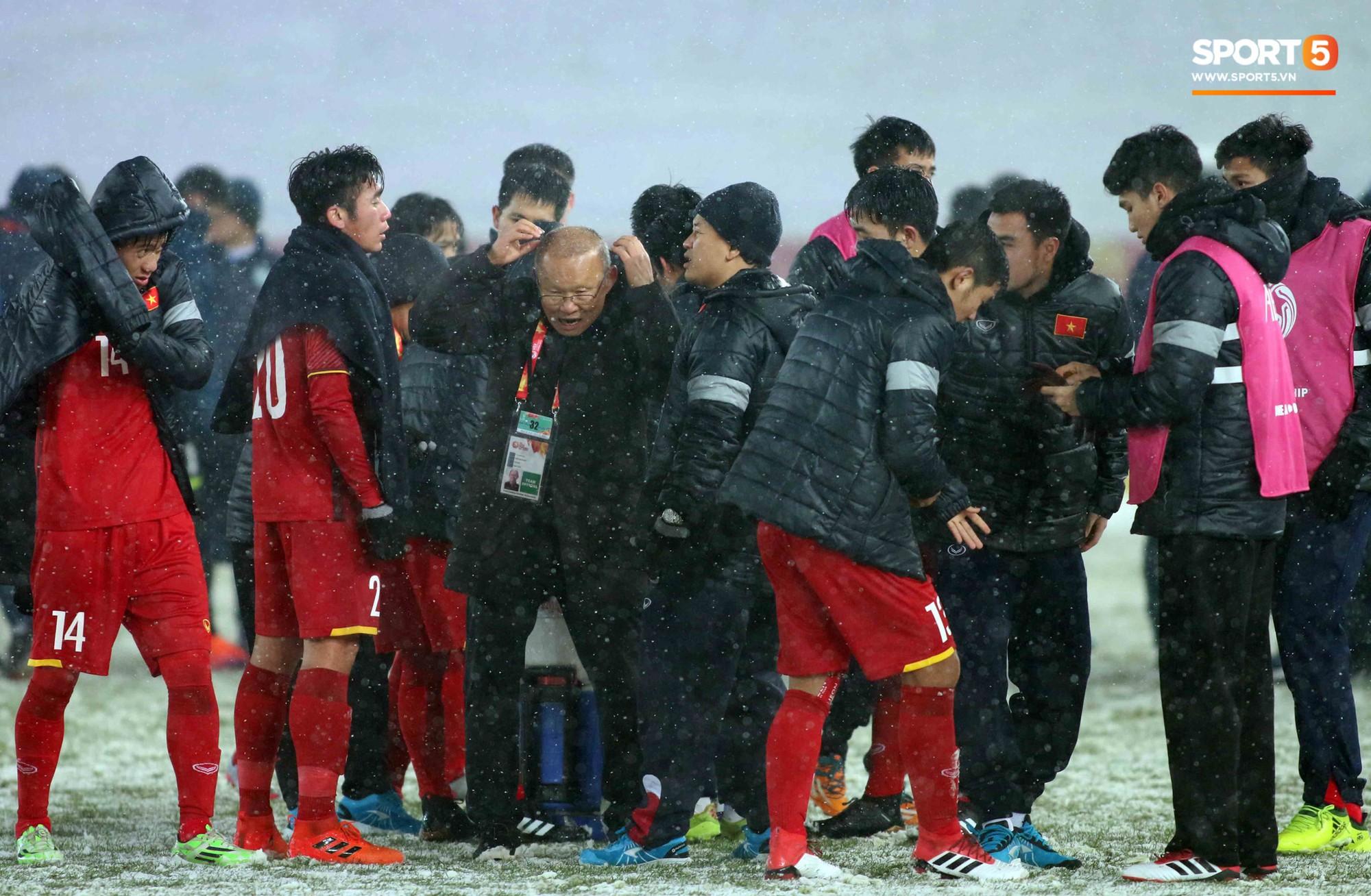 HLV Park Hang Seo bước sang tuổi 60: Từ sinh viên nghiên cứu thảo mộc đến huyền thoại bóng đá Việt Nam-22