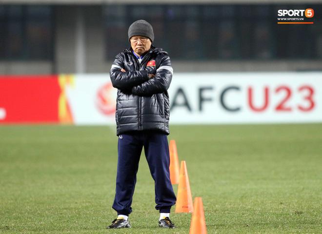 HLV Park Hang Seo bước sang tuổi 60: Từ sinh viên nghiên cứu thảo mộc đến huyền thoại bóng đá Việt Nam-18