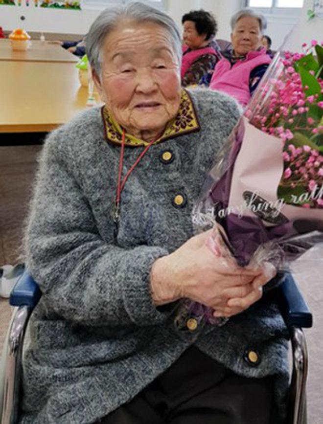 Vì nhiệm vụ ở đội tuyển Việt Nam, HLV Park Hang Seo không thể trở về bên mẹ trong ngày sinh nhật ý nghĩa-3
