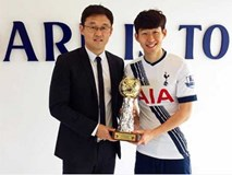 Vượt Quang Hải, Son Heung-min trở thành cầu thủ xuất sắc nhất châu Á 2018