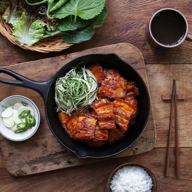 Học người Hàn cách làm món thịt áp chảo ngon ngất ngây ăn mùa lạnh hợp vô cùng-7