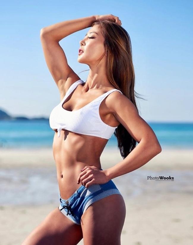 3 người đẹp Hàn Quốc sở hữu cơ bắp cuồn cuộn đàn ông cũng phải e dè-5