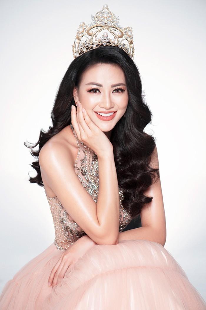 Trùm hoa hậu: 'Mất 10 tỷ để đưa Phương Khánh đến với vương miện'-1