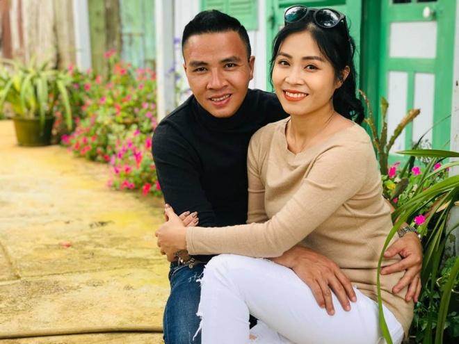 Vợ chồng MC Hoàng Linh tiếp tục khoe loạt ảnh tình tứ ở Đà Lạt-13