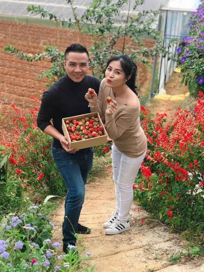 Vợ chồng MC Hoàng Linh tiếp tục khoe loạt ảnh tình tứ ở Đà Lạt-2