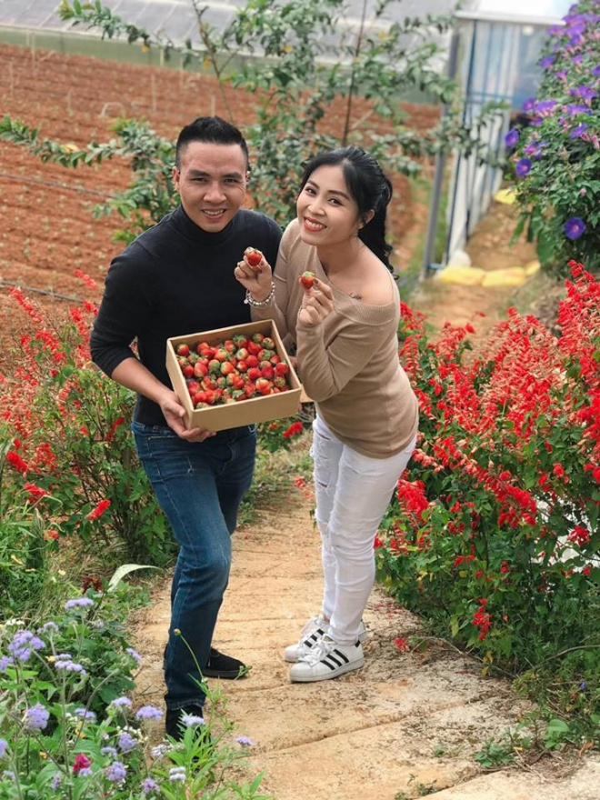 Vợ chồng MC Hoàng Linh tiếp tục khoe loạt ảnh tình tứ ở Đà Lạt-5