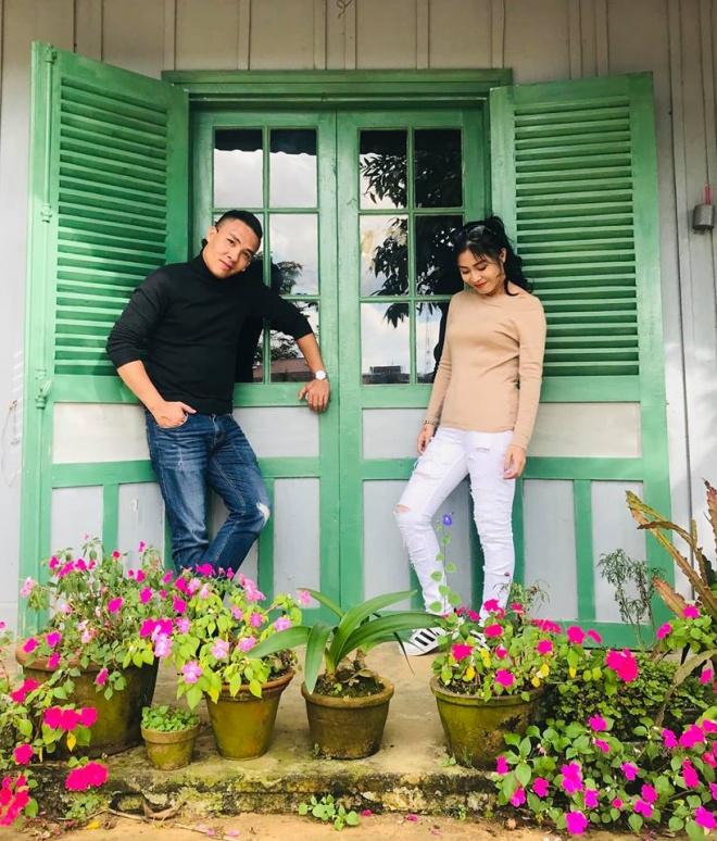 Vợ chồng MC Hoàng Linh tiếp tục khoe loạt ảnh tình tứ ở Đà Lạt-7