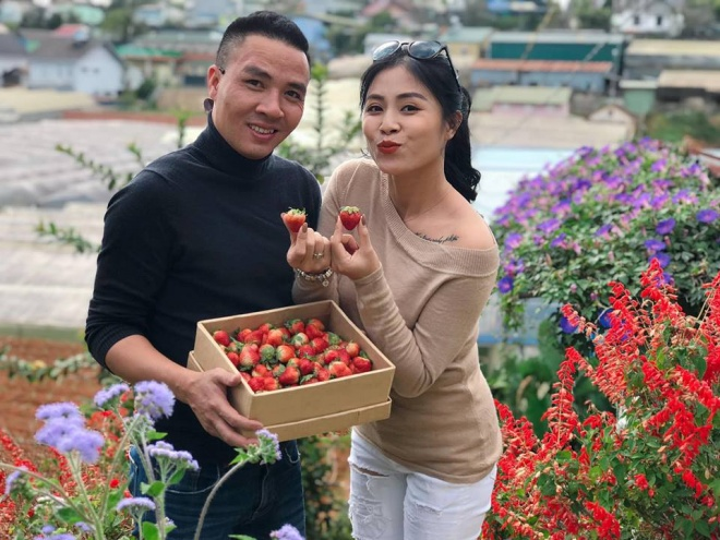 Vợ chồng MC Hoàng Linh tiếp tục khoe loạt ảnh tình tứ ở Đà Lạt-8