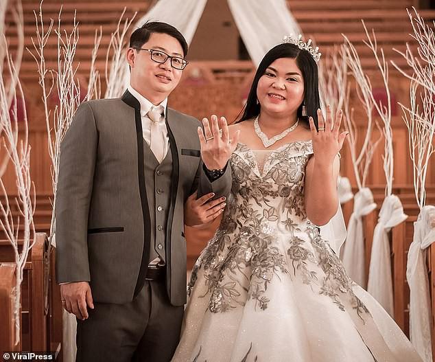 Đến giờ cắt bánh cưới, cô dâu ngã ngửa khi thấy toàn là thứ này bên trong, ngày vui biến thành ngày buồn nhất cuộc đời-1