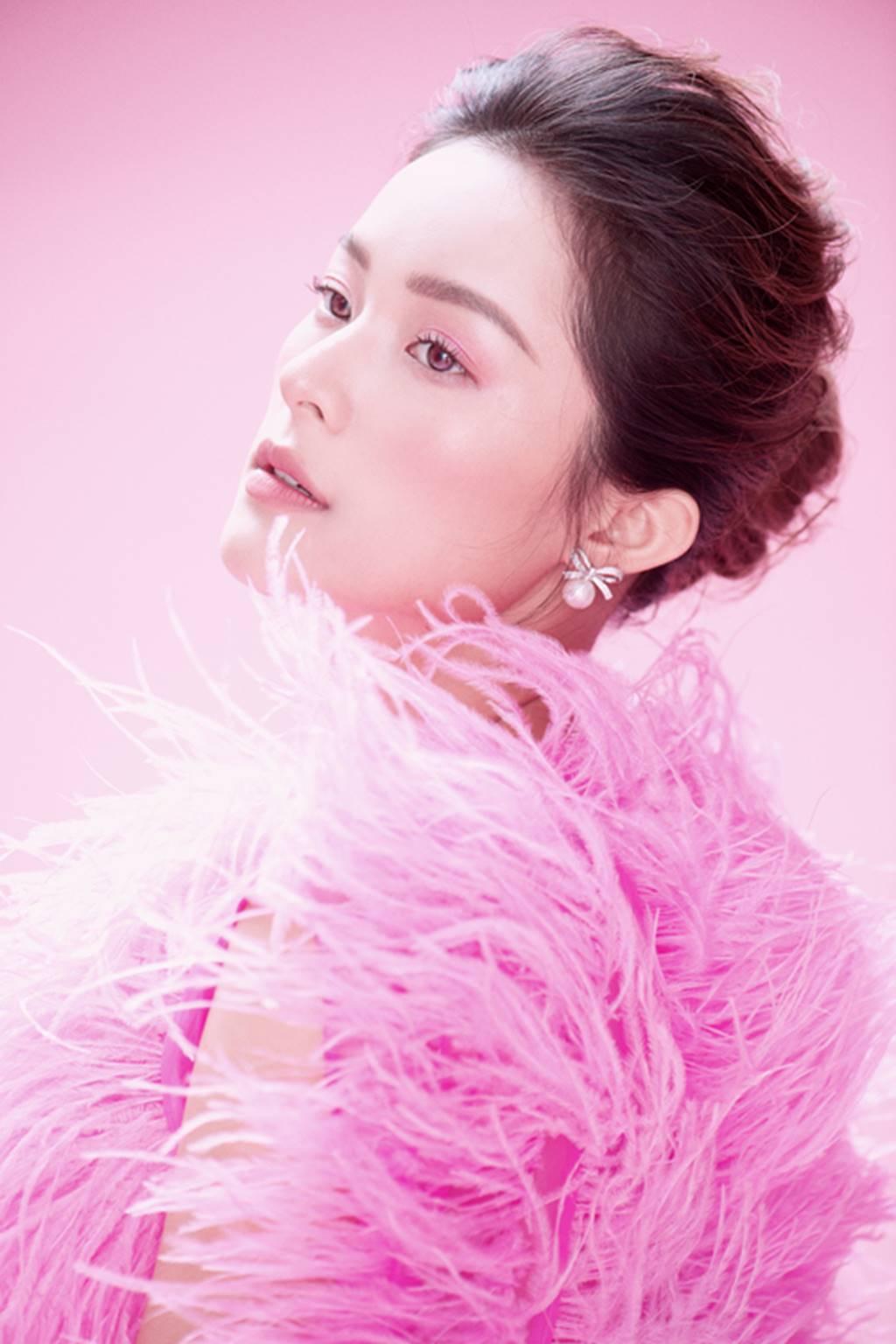 Hạ Vy đẹp mong manh trong sắc hồng của Đỗ Mạnh Cường-6