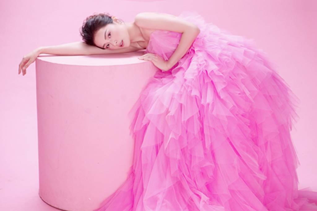 Hạ Vy đẹp mong manh trong sắc hồng của Đỗ Mạnh Cường-10