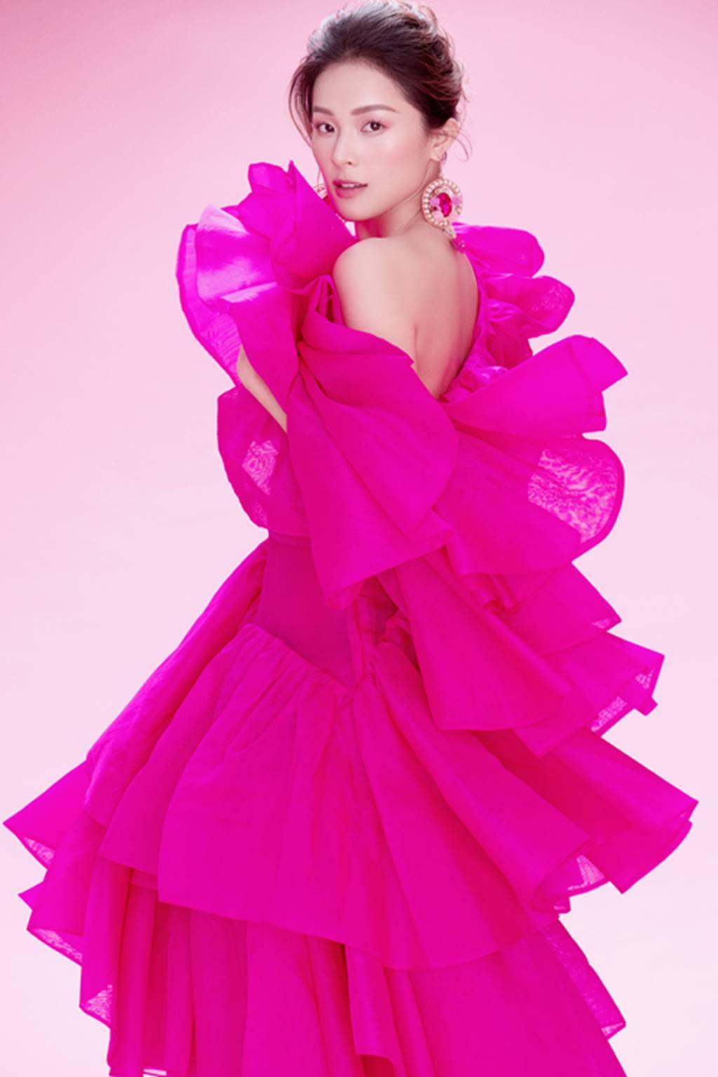 Hạ Vy đẹp mong manh trong sắc hồng của Đỗ Mạnh Cường-11