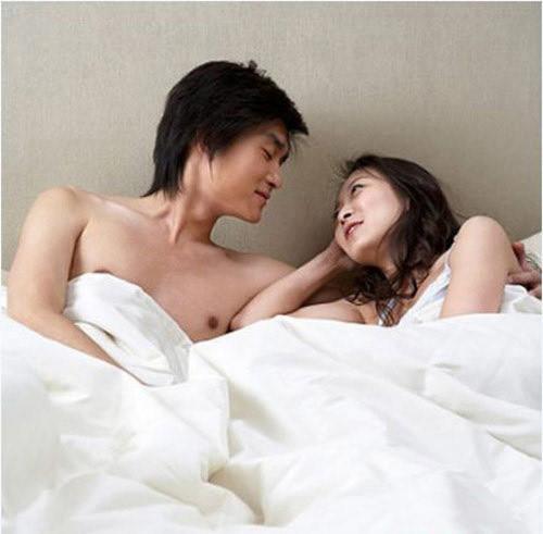 Nỗi đau thầm kín của người vợ trẻ có chồng yêu bệnh hoạn-1