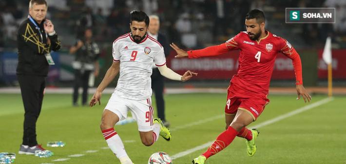 VAR chưa nhập cuộc, trọng tài gây tranh cãi ngay trong ngày khai mạc Asian Cup 2019-1