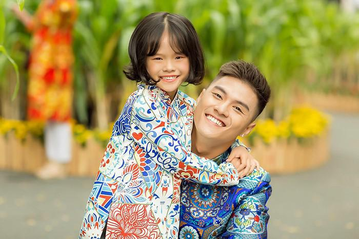 Bố mẹ đều có người tình mới, con gái Lâm Vinh Hải giờ sống thế nào?-7