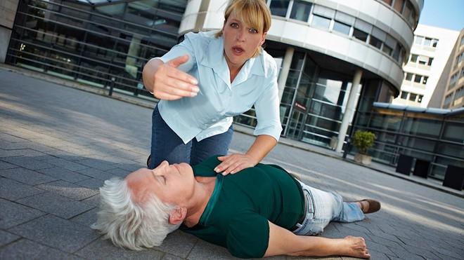 Nguyên Viện trưởng Viện Tim mạch cảnh báo 2 thủ phạm gây đột quỵ rất nhiều người mắc-2