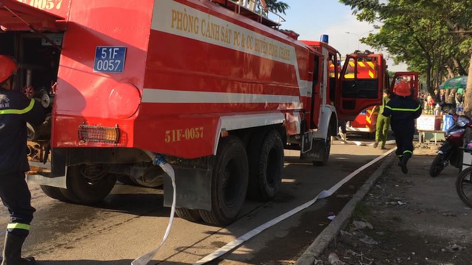 TP.HCM: 8 căn nhà bị cháy rụi sau cơn hỏa hoạn, may mắn không có ai thương vong-3