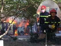 TP.HCM: 8 căn nhà bị cháy rụi sau cơn hỏa hoạn, may mắn không có ai thương vong