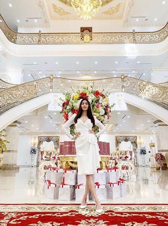 Phô bày cuộc sống giàu sang đến Hà Tăng cũng phải e ngại, Lan Khuê nhận những bình luận đau bụng từ cư dân mạng-1