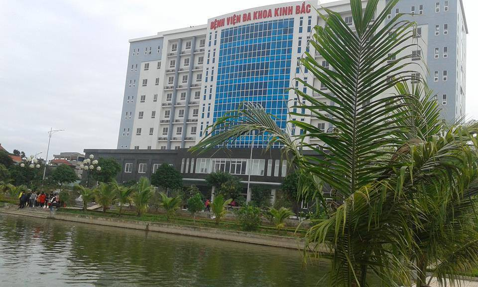 Xác minh danh tính người bố đánh con gái 7 tuổi tại bệnh viện ở Bắc Ninh-2