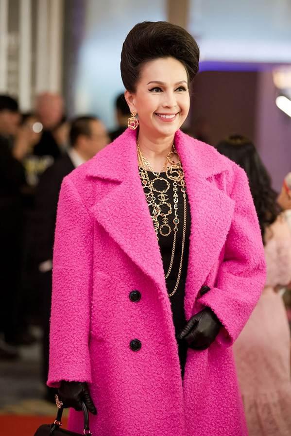 Hoa hậu Đặng Thu Thảo đẹp không tì vết với sắc hồng pastel-10