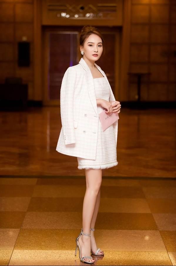 Hoa hậu Đặng Thu Thảo đẹp không tì vết với sắc hồng pastel-11