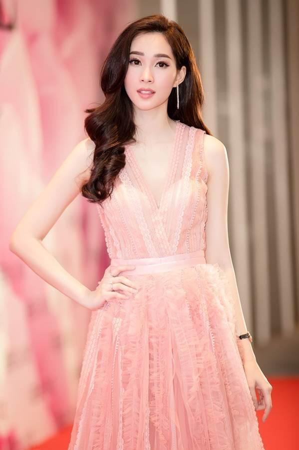 Hoa hậu Đặng Thu Thảo đẹp không tì vết với sắc hồng pastel-3