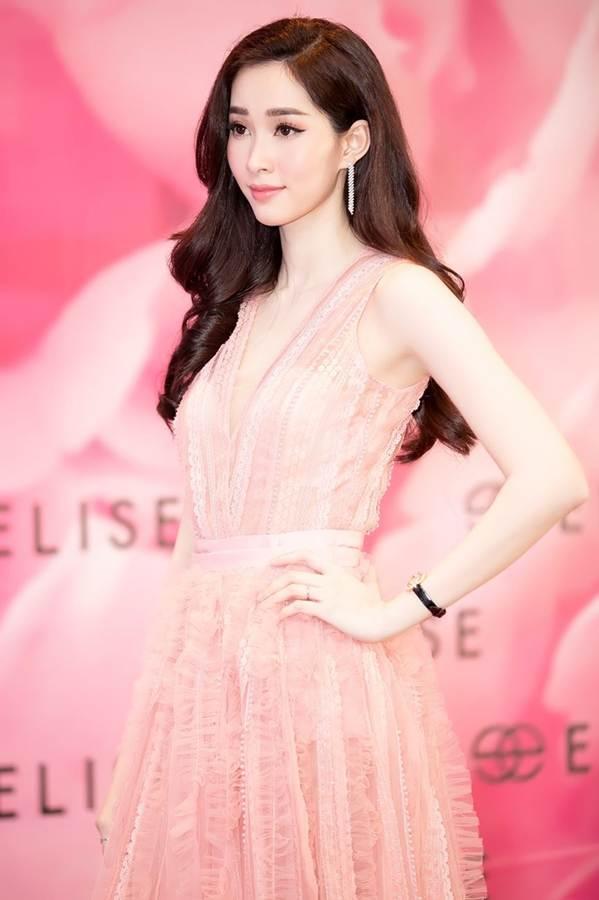 Hoa hậu Đặng Thu Thảo đẹp không tì vết với sắc hồng pastel-4