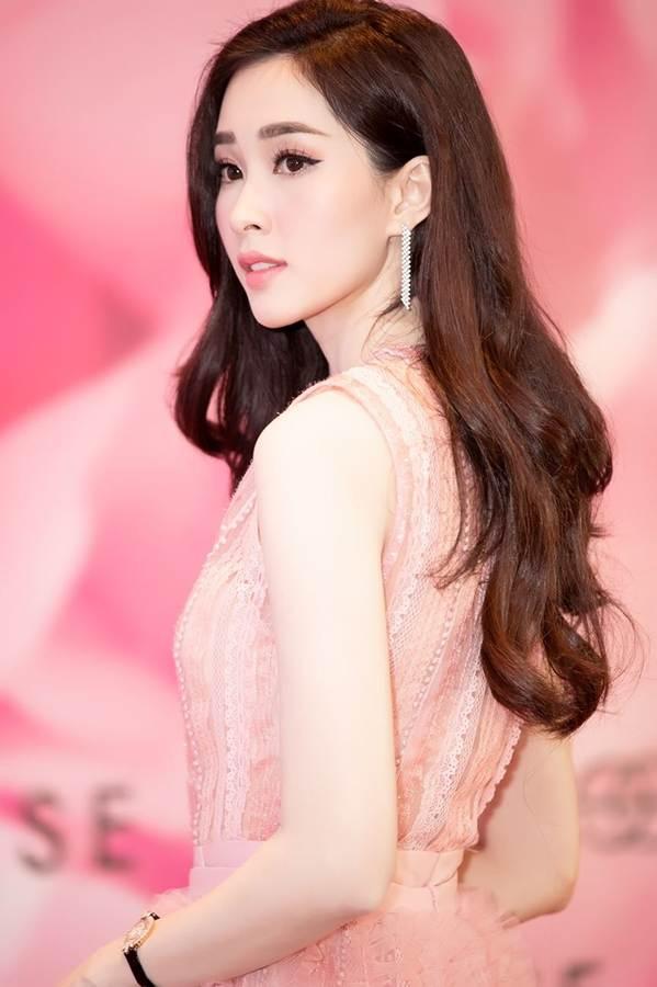 Hoa hậu Đặng Thu Thảo đẹp không tì vết với sắc hồng pastel-5