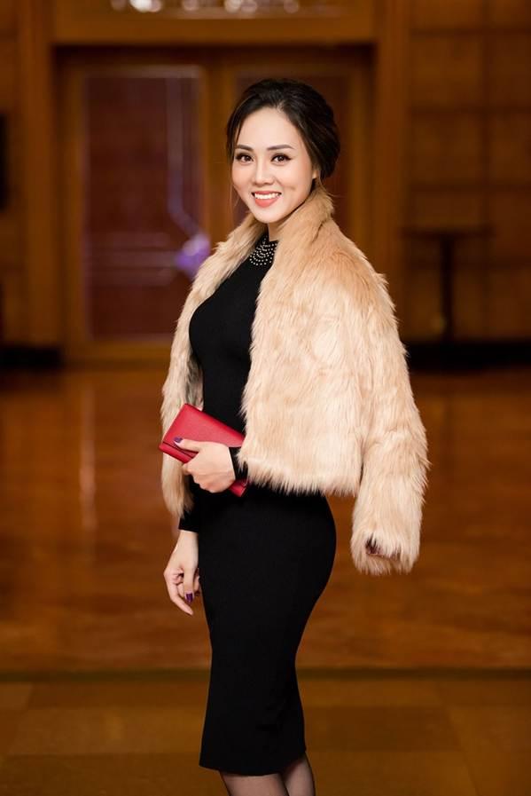 Hoa hậu Đặng Thu Thảo đẹp không tì vết với sắc hồng pastel-12