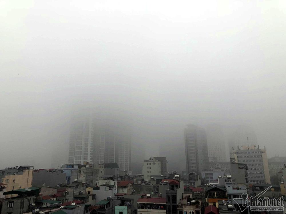 Hà Nội đặc quánh sương mù, cao ốc mất hút-5