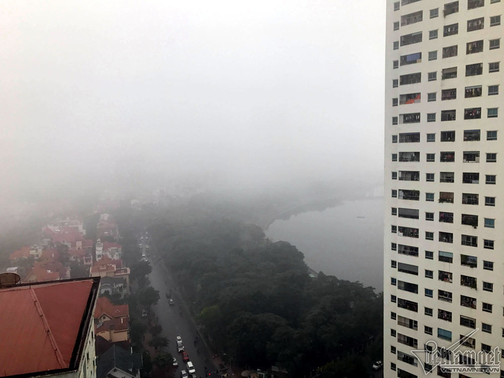 Hà Nội đặc quánh sương mù, cao ốc mất hút-7