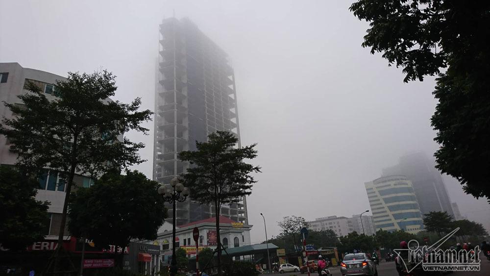 Hà Nội đặc quánh sương mù, cao ốc mất hút-12