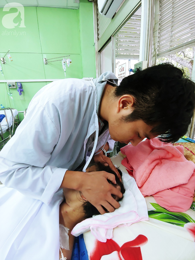 Mẹ mới sinh phải cắt cụt tứ chi sau khi bị áp xe vú: Bác sĩ sản khoa tiết lộ thông tin bất ngờ-7