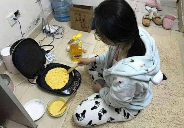 """Tuyệt chiêu nấu cơm sinh viên bá đạo"""", dân tình thốt lên: Học làm gì, đi làm bếp trưởng ngay""""-2"""