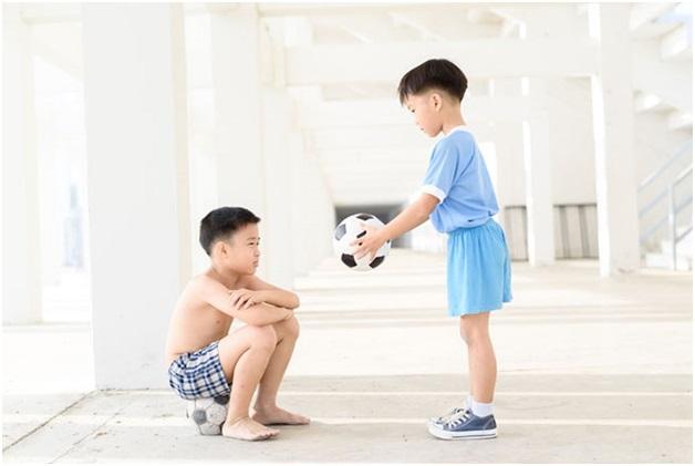 Chuyên gia Đại học Harvard chia sẻ 7 bài học giúp cha mẹ dạy con lòng nhân ái, biết suy nghĩ thấu tình đạt lý-1