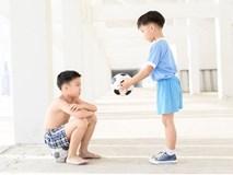 Chuyên gia Đại học Harvard chia sẻ 7 bài học giúp cha mẹ dạy con lòng nhân ái, biết suy nghĩ thấu tình đạt lý