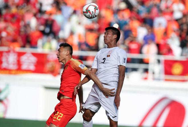 Trung Quốc nhọc nhằn giành 3 điểm nhờ sai lầm của thủ môn Kyrgyzstan-1