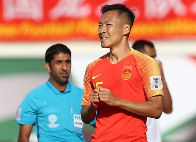 Trung Quốc nhọc nhằn giành 3 điểm nhờ sai lầm của thủ môn Kyrgyzstan-2