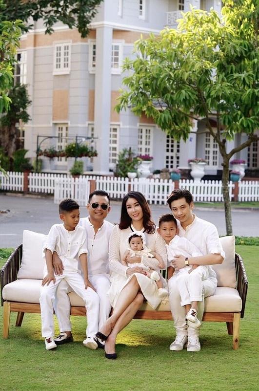Biệt thự xa hoa như cung điện của các mỹ nhân Việt-22