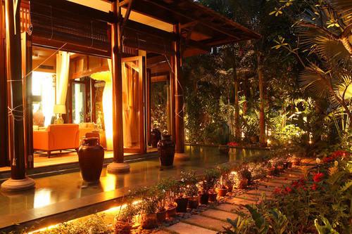 Biệt thự xa hoa như cung điện của các mỹ nhân Việt-21