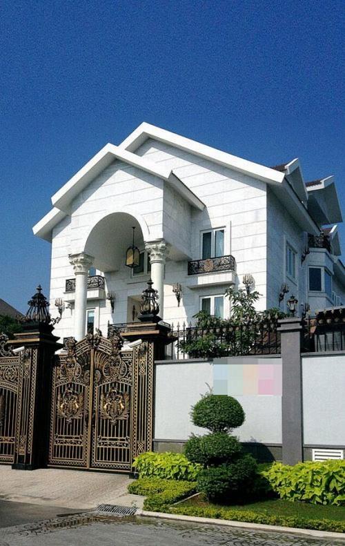 Biệt thự xa hoa như cung điện của các mỹ nhân Việt-5