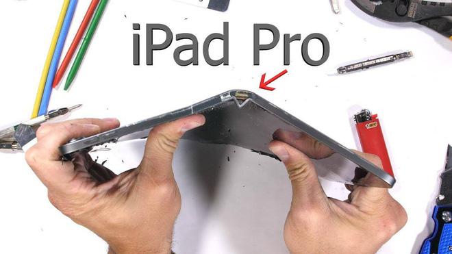 Được Apple đổi bảo hành iPad mới, khổ chủ miệng cười méo xệch khi mở hộp thấy cảnh tượng này-3