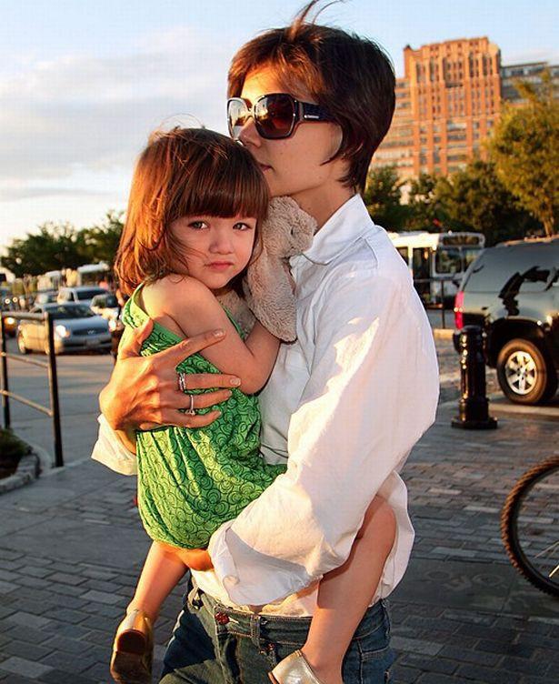 2 vợ cũ sống trong đau khổ với Tom Cruise: Người đem con bỏ chạy, kẻ nhảy cẫng khi ly hôn-6