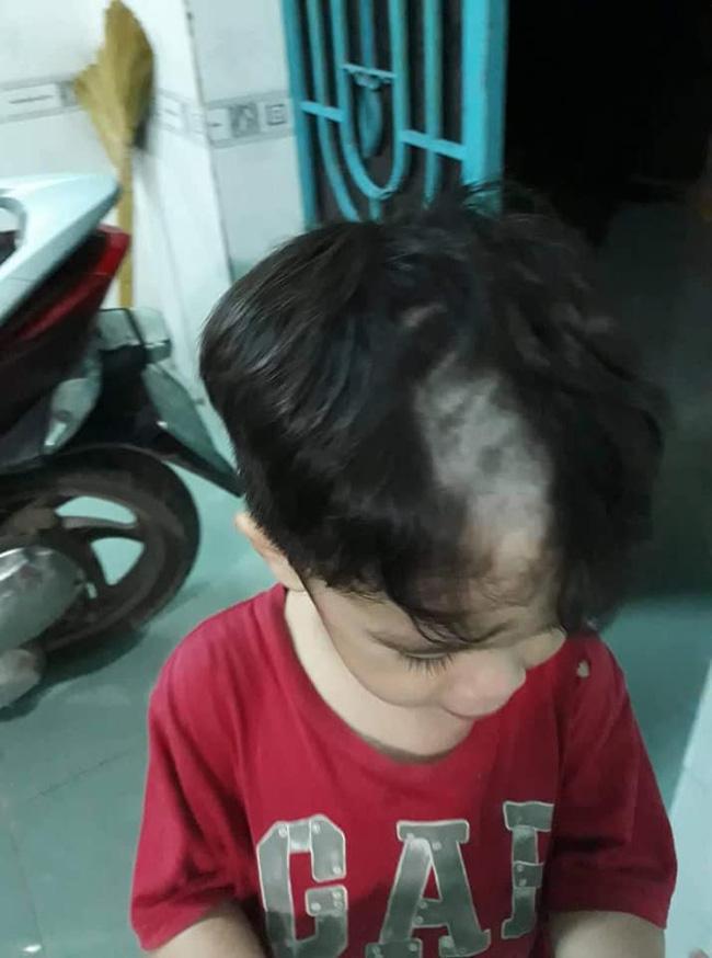 Tự tay cạo đầu còn bị mẹ dìm hàng, cậu bé vẫn khiến dân mạng trầm trồ bởi gương mặt chuẩn soái ca tương lai-2